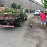 Limpeza: Sete caminhões com entulho e lixo foram retirados da área embaixo do Viaduto Antônio de Aguiar Marins, em Saudade (Foto: Divulgação)