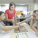 Professores da rede estadual recebem prêmio por ensino de Ciências. Professora Luciana Baptista Gomes  do Ciep 117 – Carlos Drummond de Andrade, em Nova Iguaçu.