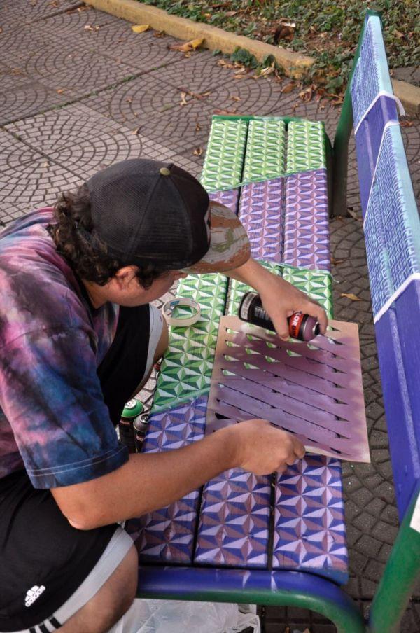 'VRsualinda': Bancos da Praça da Chaminé foram transformados em obras de arte (Foto: Geraldo Gonçalves/PMVR)