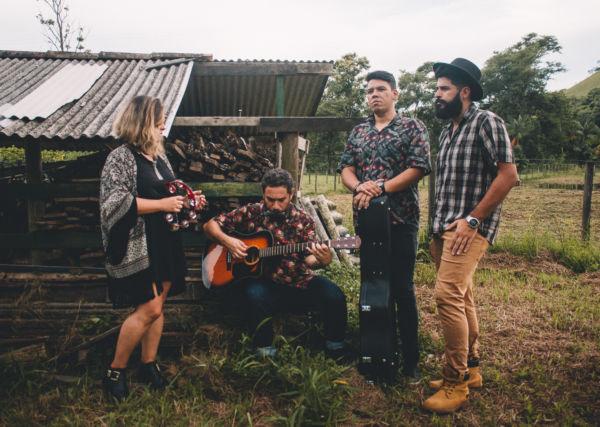 Feito Café: Banda de pop/folk de Angra dos Reis aposta em canções autorais agridoces e assobiáveis (Fotos: Divulgação)