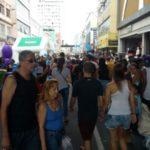 Lotado: Milhares de pessoas foram se divertir e comprar (Fofo: Roberta Caulo)