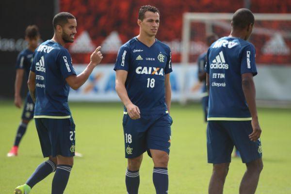 Flamengo tem pela frente mais um confronto contra o Atlético-PR