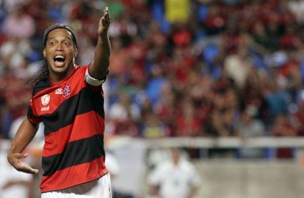 Passagem: Ronaldinho conseguiu acordo milionário com o rubro-negro