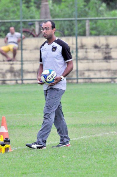 Prepara: Felipe Surian tem tempo para armar a equipe antes de jogo complicado