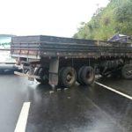 Acidente grave: Motorista do caminhão está em estado grave, ele foi encaminhado a Santa Casa de Barra Mansa