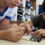 Eletrônica: Projeto Robótica na Escola acontece desde o ano de 2016 em oito escolas de Barra Mansa (Foto: Divulgação)