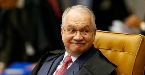 Determina: Fachin libera abertura de inquérito contra presidente da República