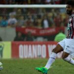 Apoiado: Zagueiro Renato Chaves falhou na jogada que terminou no gol da vitória do Flamengo mas recebeu força do técnico (Foto:Lucas Merçon/Fluminense F.C)