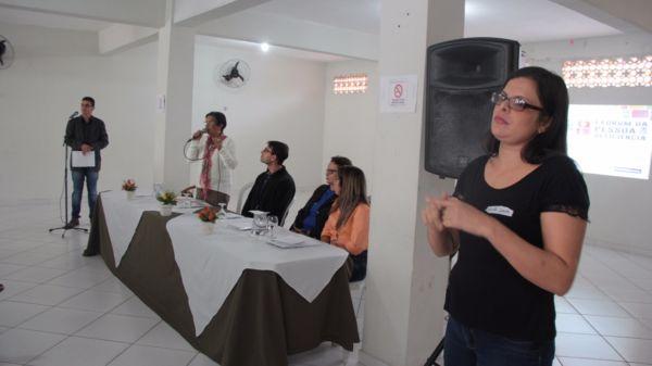 Inclusão social: Evento contou com uma intérprete da Língua Brasileira de Sinais (Libras) (Foto: Divulgação/Ascom PMP)