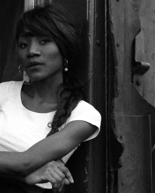 Jovem: Hirondina Joshua é uma poeta de destaque na nova geração de autores moçambicanos (Fotos: Divulgação)