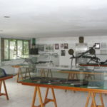 Histórico: Acervo do memorial conta com material de artilharia, fardas, fotografias e outras peças (Foto: Júlio Amaral)