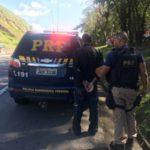 Motorista foi flagrado na Via Dutra, na altura do bairro Bocaininha, em Barra Mansa (foto: Cedida pela PRF)