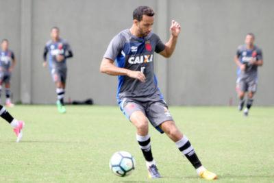 Nenê deve seguir adiante como maestro do meio campo do Vasco