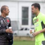 Milton mendes e Martin Silva terão paradas difíceis logo mais em São Januário