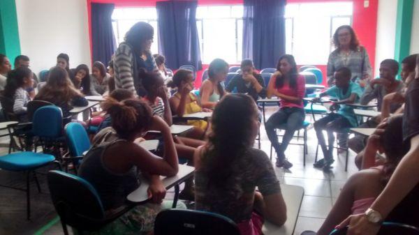 Educação e orientação: Debate com alunos da rede municipal em Quatis também aconteceu no ano passado (Foto: Divulgação/Ascom PMQ)