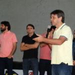 Alexandre Serfiotis, ao lado de Samuca e Maurício Pessôa, durante lançamento de programa
