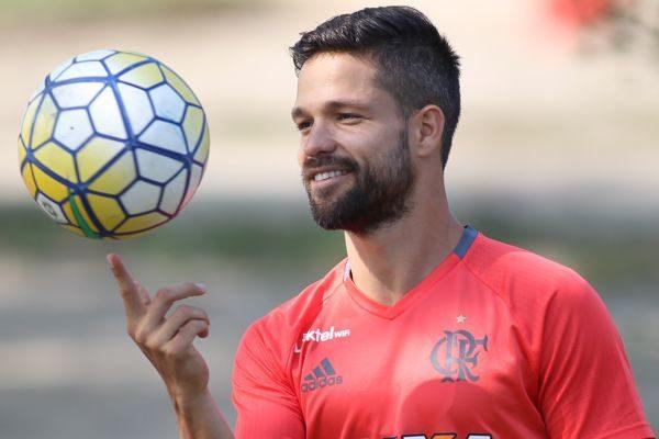 Diego espera que o time do Flamengo engrene a partir de goleada e boa atuação