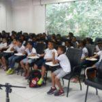 Meio ambiente: Autor do livro 'Amiga Lata, Amigo Rio', Thiago Cascabulho, participou da atividade com alunos de Barra Mansa (Foto: Divulgação)
