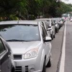 Medida de segurança: Proibição do estacionamento no acostamento da rodovia federal é lei e visa evitar acidentes (Foto: Paulo Dimas)