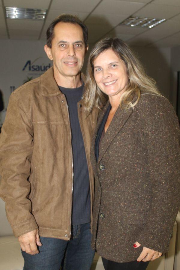 O paisagista André Lima e a cerimonialista Anna Lima