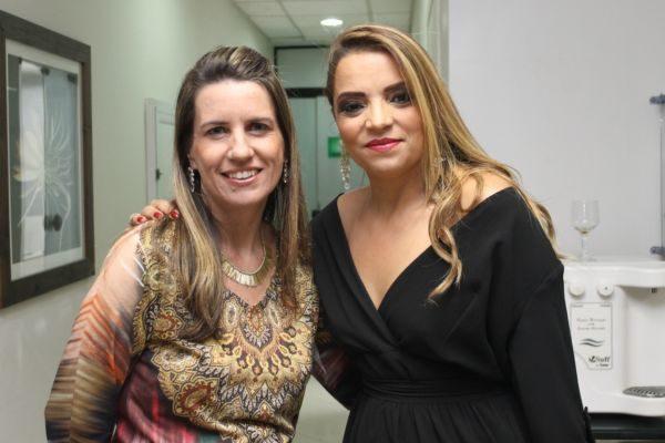 Silvania Moren com a amiga Renata Dacol