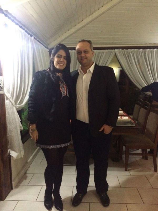 O casal de médicos Juliana Monteiro Coelho e Juliano Coelho, no Bistrô Casa Antiga