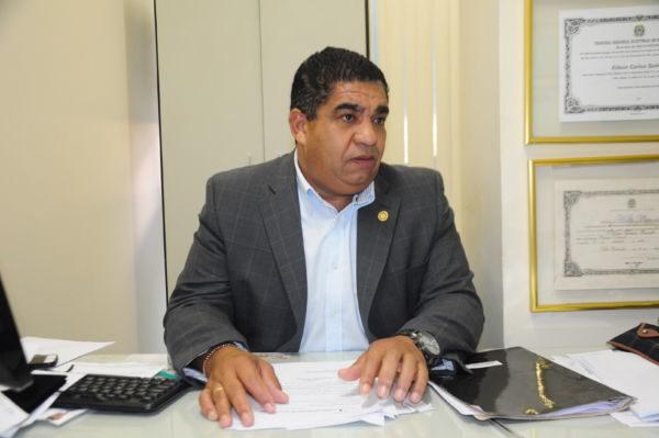 Necessidade: Segundo Edson Quinto, moradores do condomínio Ingá II estão sem acesso a ônibus convencionais