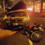 Motociclista estava parado num sinal de trânsito quando foi atropelado por uma caminhonete (foto: Cedida pela PRF)