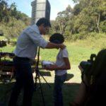 Com medalha: Izabelli recebeu premiação de concurso promovido pelo Parque Arqueológico Ambiental de São João Marcos, em Rio Claro (Foto: Divulgação)