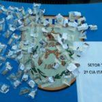 Droga foi apreendida na casa de suspeito em Itatiaia (foto: Cedida pela PM)
