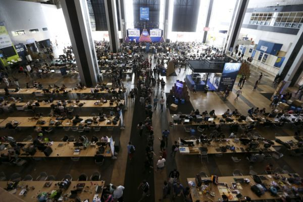 Festa: Profissionais e entusiastas da tecnologia participam da Campus Party, em Brasília  (Marcelo Camargo/Agência Brasil)
