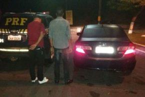 Agentes prendem  dupla com carro clonado na Via Dutra, em Piraí