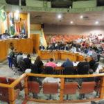 No plenário: Profissionais de saúde foram à Câmara reivindicar pagamento de gratificação (Foto: Paulo Dimas)