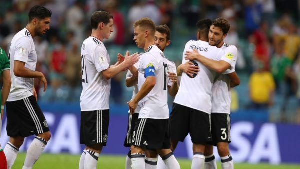 Finalistas: Jovem time da Alemanha comemora a classificação diante do México (Foto: Divulgação/Fifa)