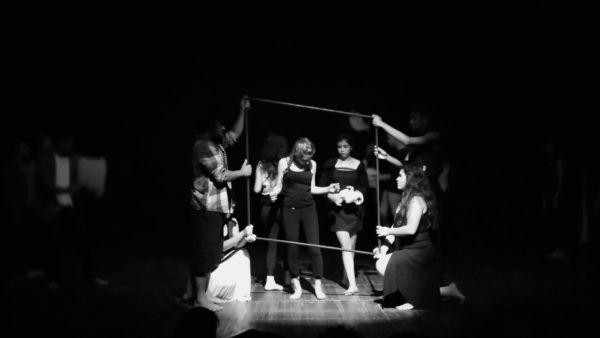 Espetáculo surgiu a partir de uma oficina de teatro ofertada ano passado no teatro da cidade para mais de 30 alunos