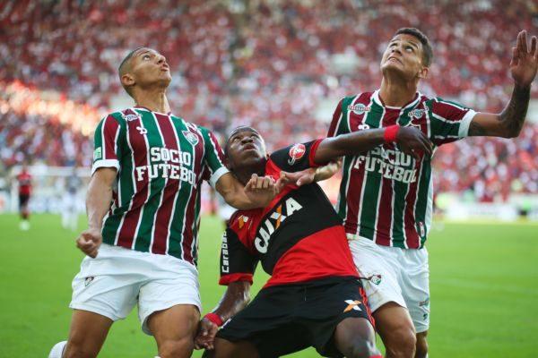 Flamengo e Fluminense fizeram jogo bem disputado e que acabou com placar igual