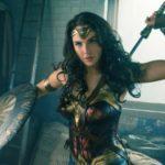 Chocante: Ela ganha 2% do salário do Super Homem (Fotos: Divulgação)