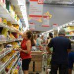 Observando: Consumidores devem ficar atentos para conseguir melhores preços