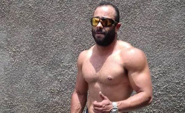 Otávio Augusto Pereira pilotava uma moto e bateu numa outra motociclista
