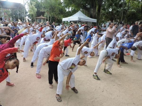 Alunos: Capoeira foi uma das atividades realizadas durante comemoração pelo meio ambiente  (foto: Sandro Barra)