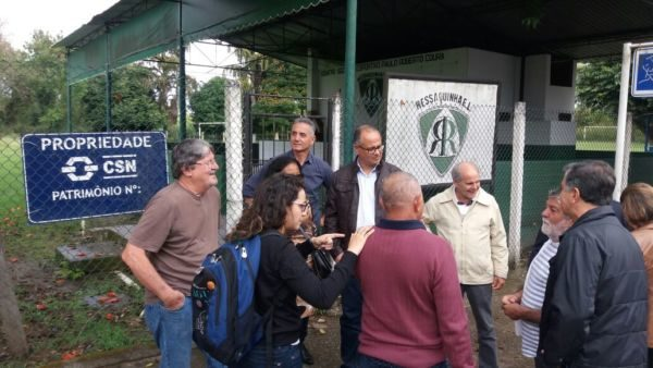 Fecha: Reunião ocorreu em frente ao que já foi a entrada para o campo do Ressaquinha