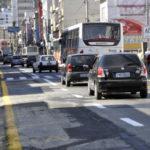 Alteração: Lugar onde ficava uma banca de jornal ganhou uma nova faixa de pista na Avenida Domingos Mariano (Foto: Paulo Dimas/Ascom PMBM)