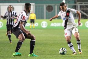 Vasco bate Atlético-MG no Horto com show do garoto Paulinho