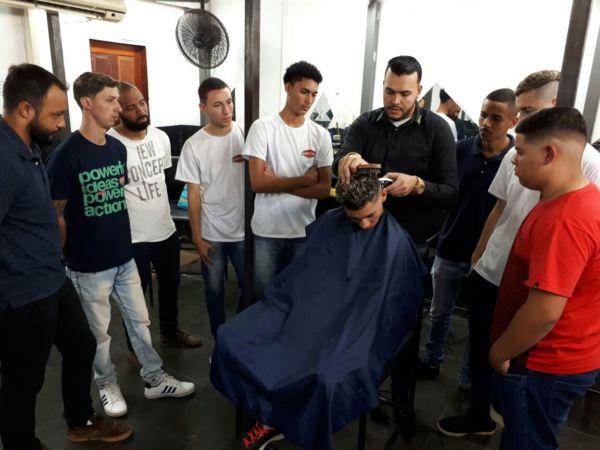 Especialização: Aulas contam com até dez alunos por turma (Foto: Roberta Caulo)