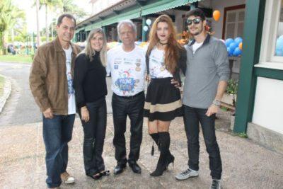 Este colunista entre André Lima e a cerimonialista Anna Lima com seus filhos Lais Lima e Daniel Medeiros