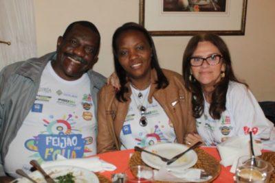 O empresário Amauri de Oliveira e Eunice Miguel da Cruz Oliveira e Luzia Andrade de Castro