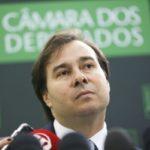 Rodrigo Maia pode assumir a presidência em caso da cassação de Michel Tener