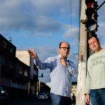 Na rua: Diretor da Suser e assessor avaliaram uma série de opções que serão utilizadas em ação experimental no trânsito da cidade (Foto:Gabriel Borges/Ascom VR)