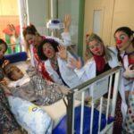 Levando alegria: Doutores da Esperança fazem trabalho voluntário nos hospitais de Volta Redonda (Foto: Divulgação PMVR)