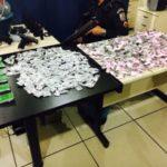 Tráfico: Armas e drogas foram apreendidas na casa de um dos suspeitos, no bairro Tararaca (Foto: Cedida pela Polícia Militar)
